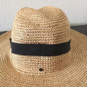 62b286d3138db J. Crew Accessories - J. Crew Wide-Brim Packable Straw Hat Small